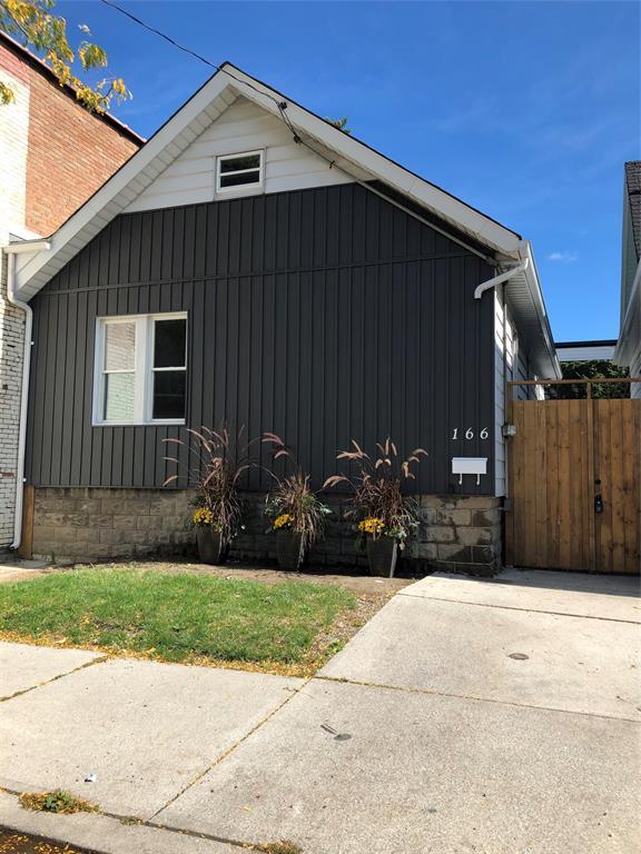 166 Mitton Street South, Sarnia Ontario, Canada