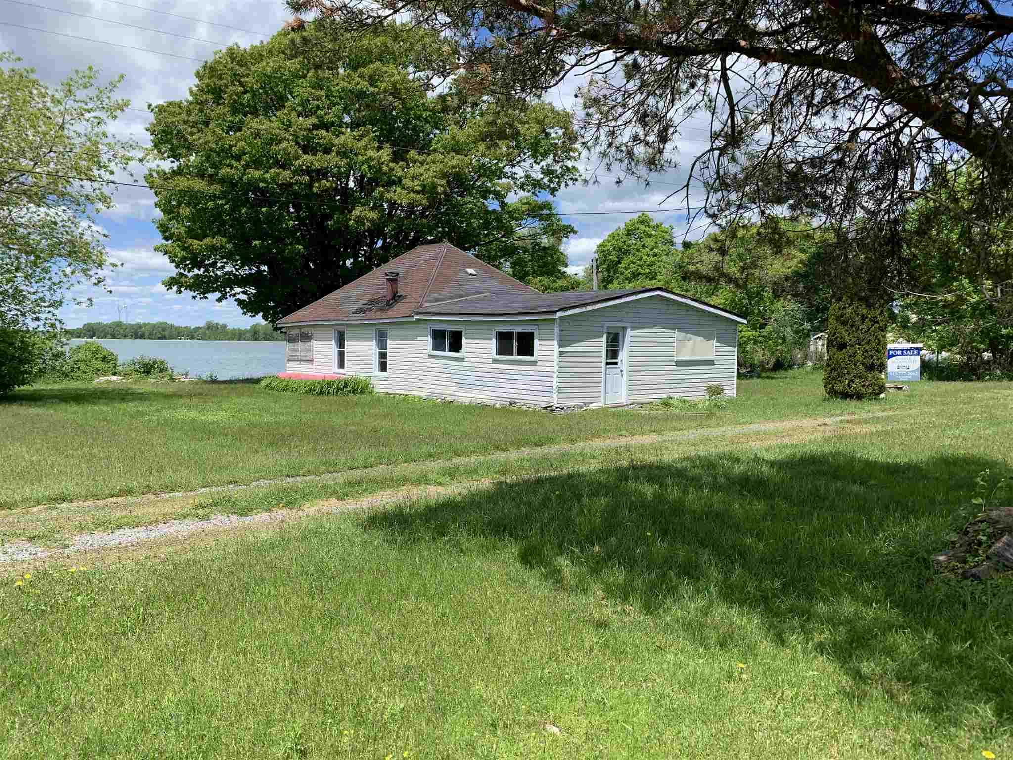 9730 South Shore Road, Amherst Island, Ontario, Canada