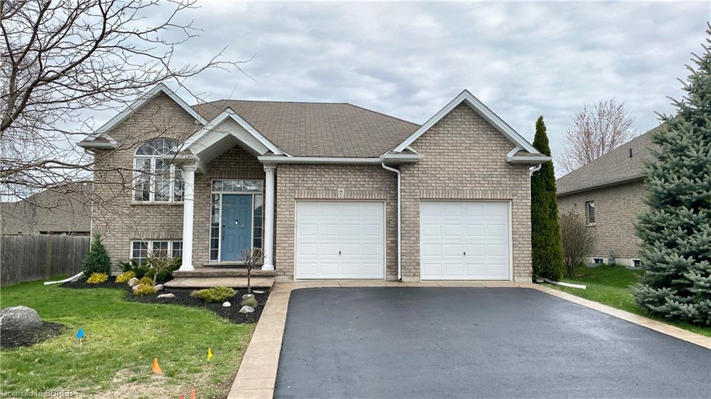 7 Coulas Crescent, Waterford Ontario, Canada