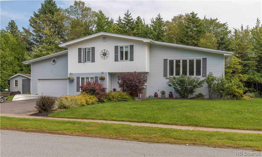 44 Charles Crescent, Rothesay New Brunswick, Canada