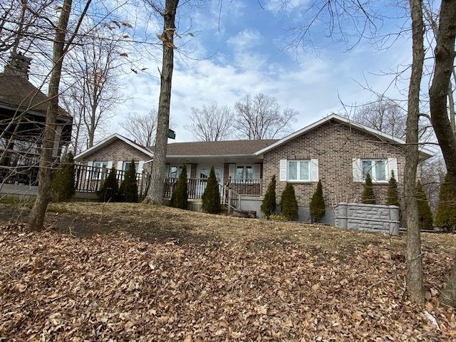 4222 6th Concession Road, Frontenac Ontario, Canada
