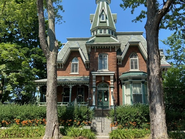 24 Sydenham Street, Kingston Ontario, Canada