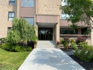 334 QUEEN MARY Road Unit# 505, Kingston Ontario, Canada