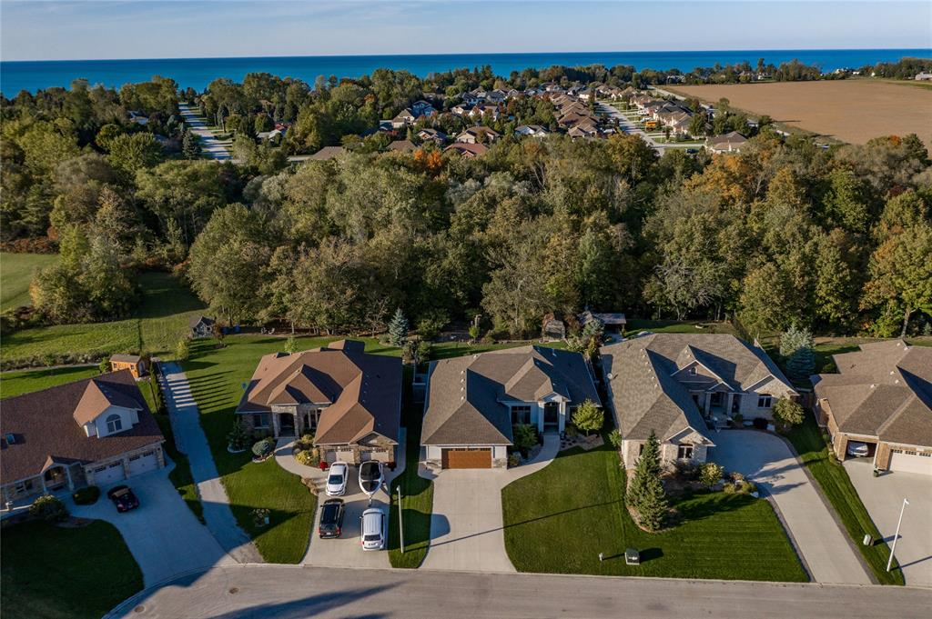 6864 Creekside Drive, Plympton-wyoming Ontario, Canada