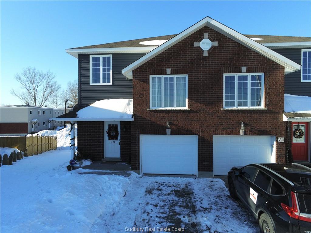 28 Applewood, Garson Ontario, Canada