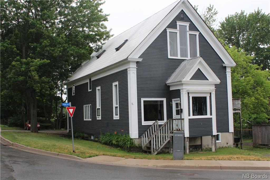 3 Mcgloin Street, Fredericton New Brunswick, Canada