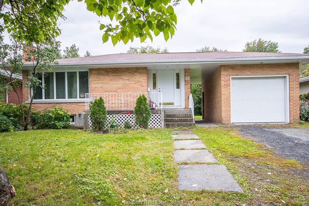 743 Hillsdale, Sudbury Ontario, Canada
