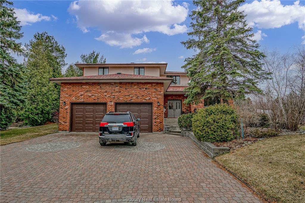 318 Kirkwood Drive, Sudbury, Ontario, Canada