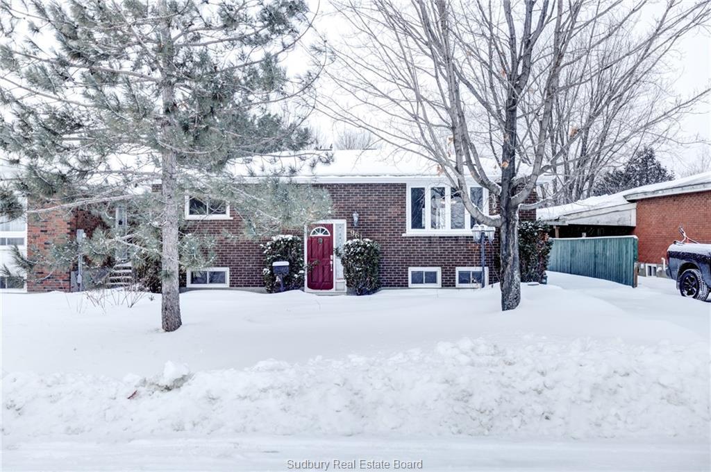 961 Delaware Avenue, Sudbury Ontario, Canada