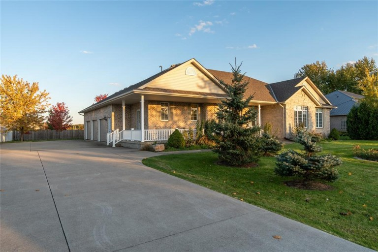 3962 TILE YARD ROAD, Petrolia, Ontario, Canada