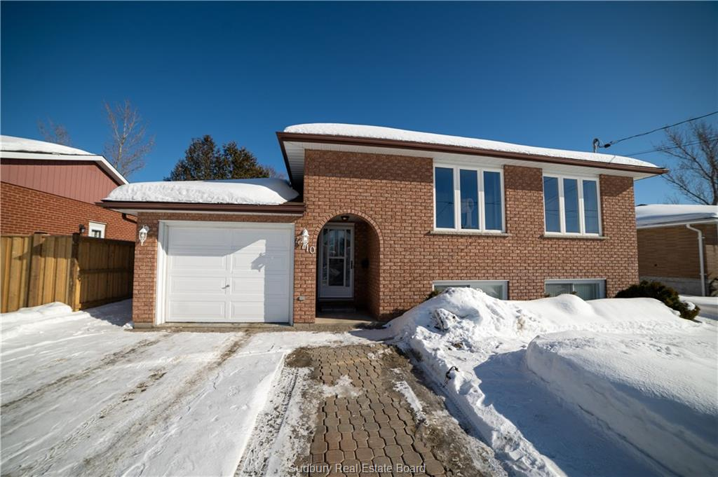 4710 Frontenac Crescent, Val Therese Ontario, Canada