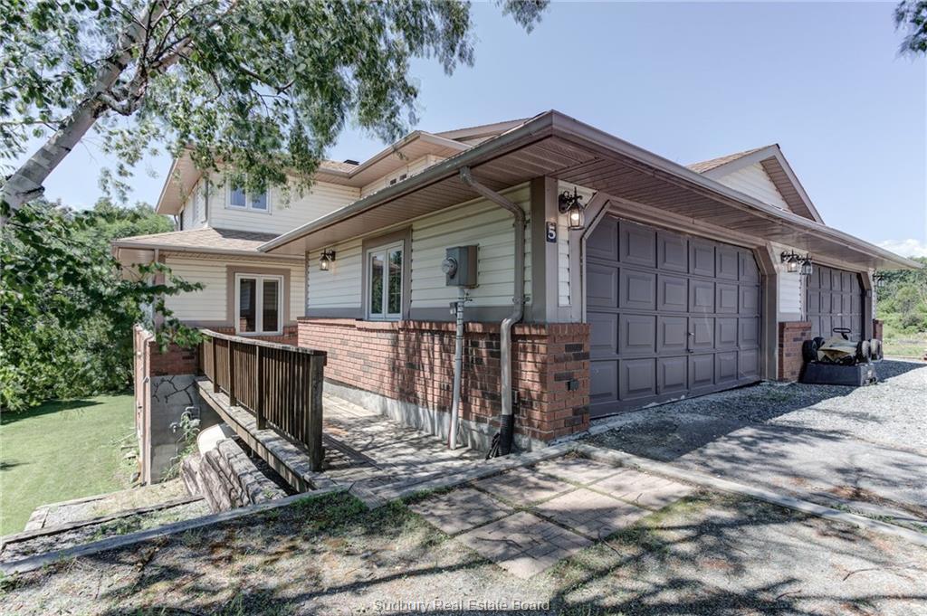5 Amberwood Drive W, Naughton Ontario, Canada
