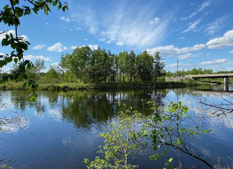 Hwy 537, Wahnapitae Ontario, Canada