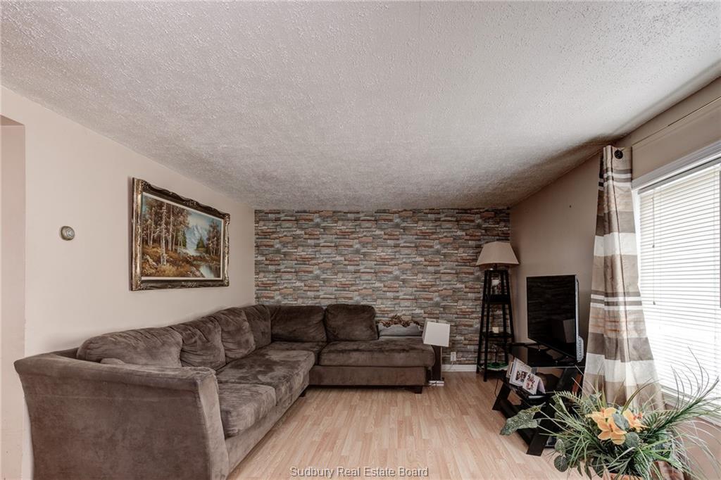 3069 Martin Road, Blezard, Ontario, Canada