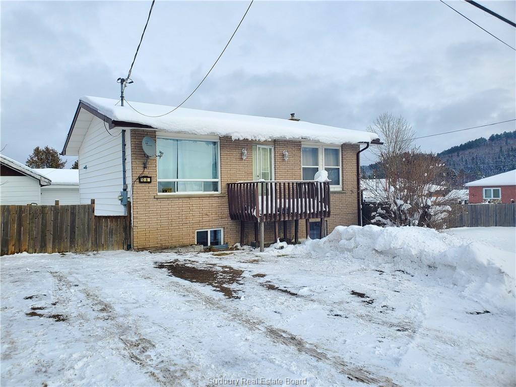 10 Third Avenue N, Levack Ontario, Canada