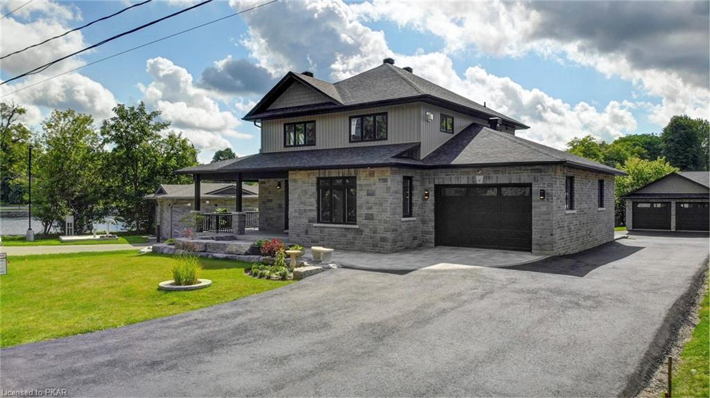 11 George Street, Lakefield Ontario, Canada