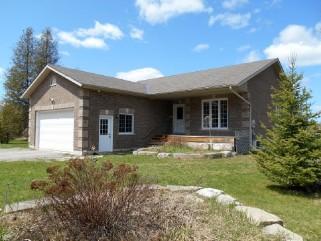 2096 Deer Bay Road, Selwyn Ontario, Canada