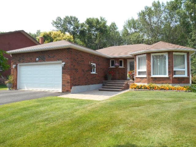 46 Stewart Drive, Selwyn Ontario, Canada