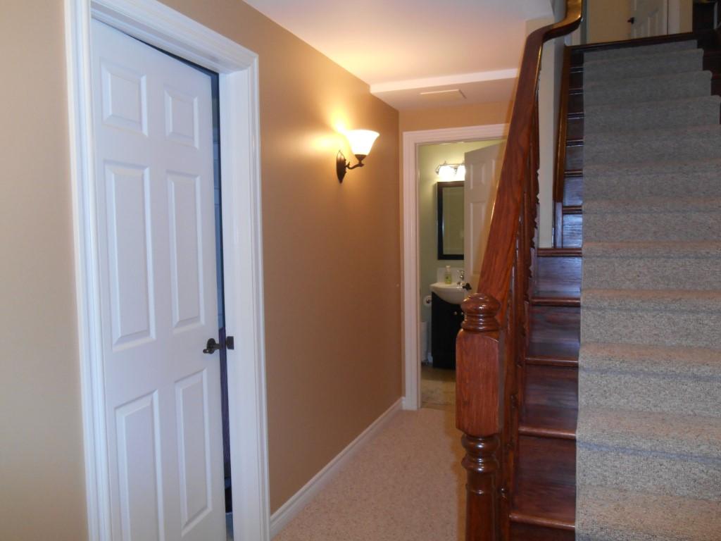 8 Bloomfield Crt, Lakefield Ontario