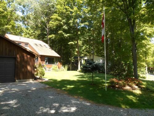 42 Fire Route 27, Buckhorn Ontario