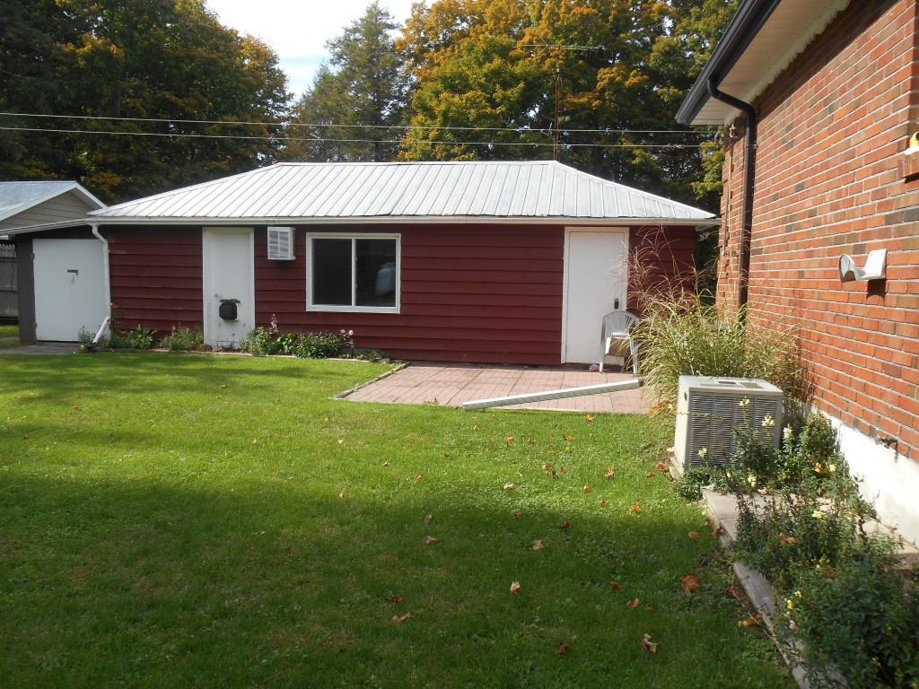 862 South St, Warsaw Ontario