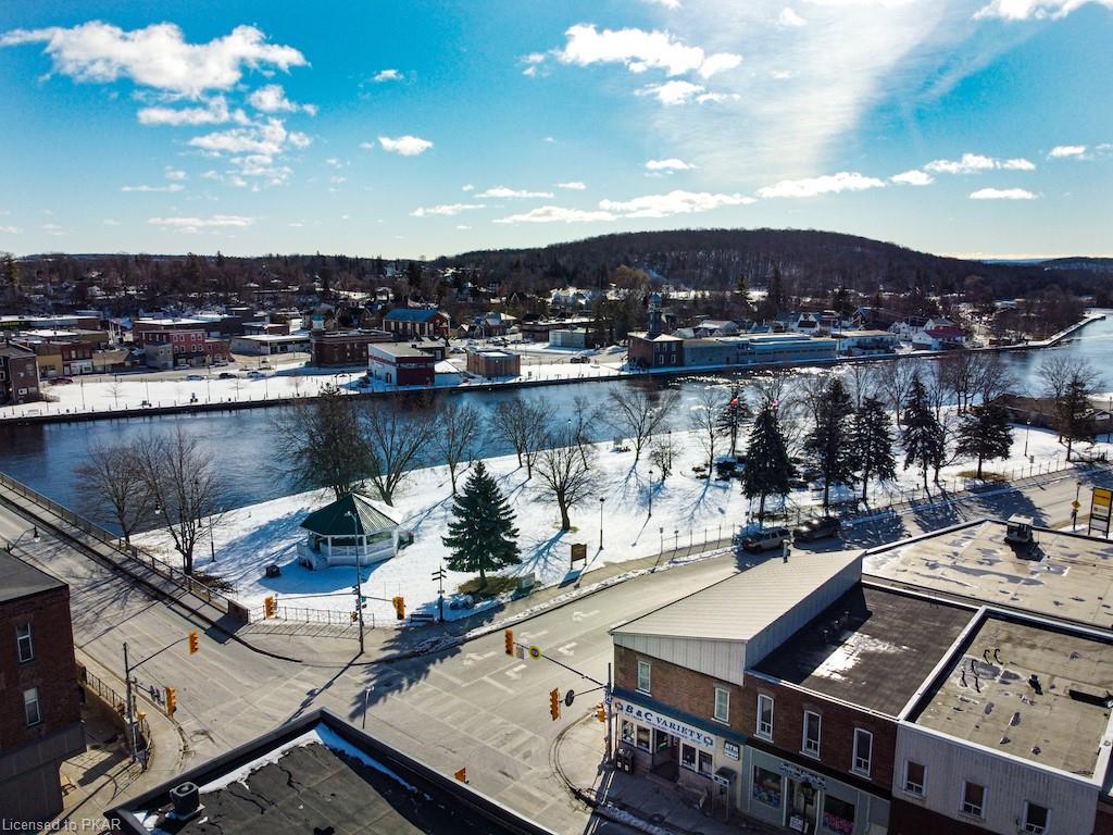 15 Bridge Street W, Campbellford Ontario, Canada