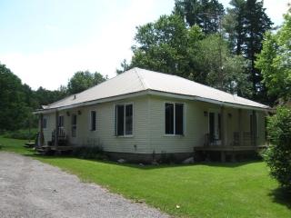 321 Mccauleys Rd, North Kawartha Ontario, Canada