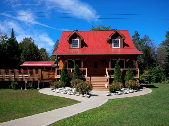 1291 South Wilberforce Rd, Highlands East Ontario, Canada