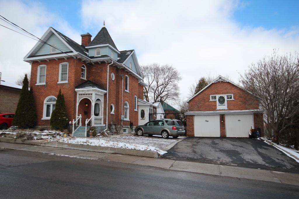 56 Catharine St, Belleville Ontario, Canada