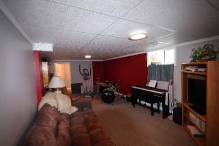 27 Crestview Ave, Belleville Ontario