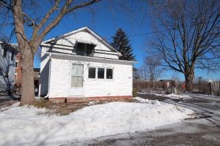 20 Mcgill St East, Quinte West Ontario