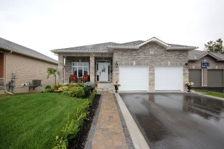 1258 MAZZOLIN CRES, Kingston Ontario, Canada