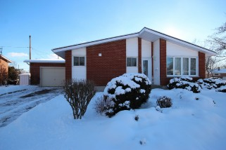5 MICHAEL GRASS CRES, Kingston Ontario, Canada