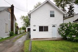 647 Collins Bay Rd, Kingston Ontario