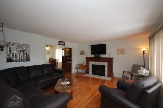 692 COLLINS BAY RD, Kingston Ontario