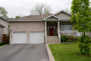 329 Grandtrunk Ave East, Kingston Ontario