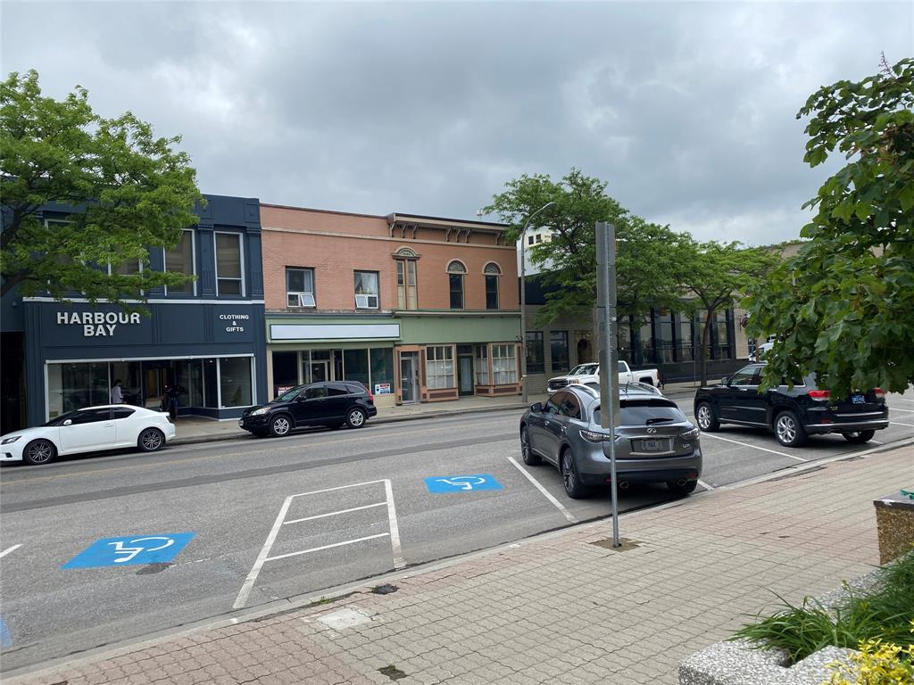 210-212 FRONT Street North, Sarnia, Ontario, Canada