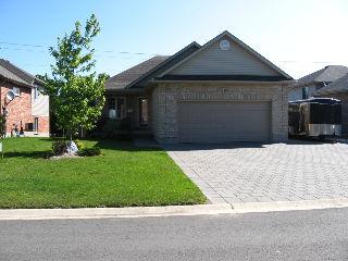 19 Ridge St, Strathroy Ontario, Canada
