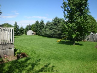 37 Hemlock Bl E, Strathroy Ontario
