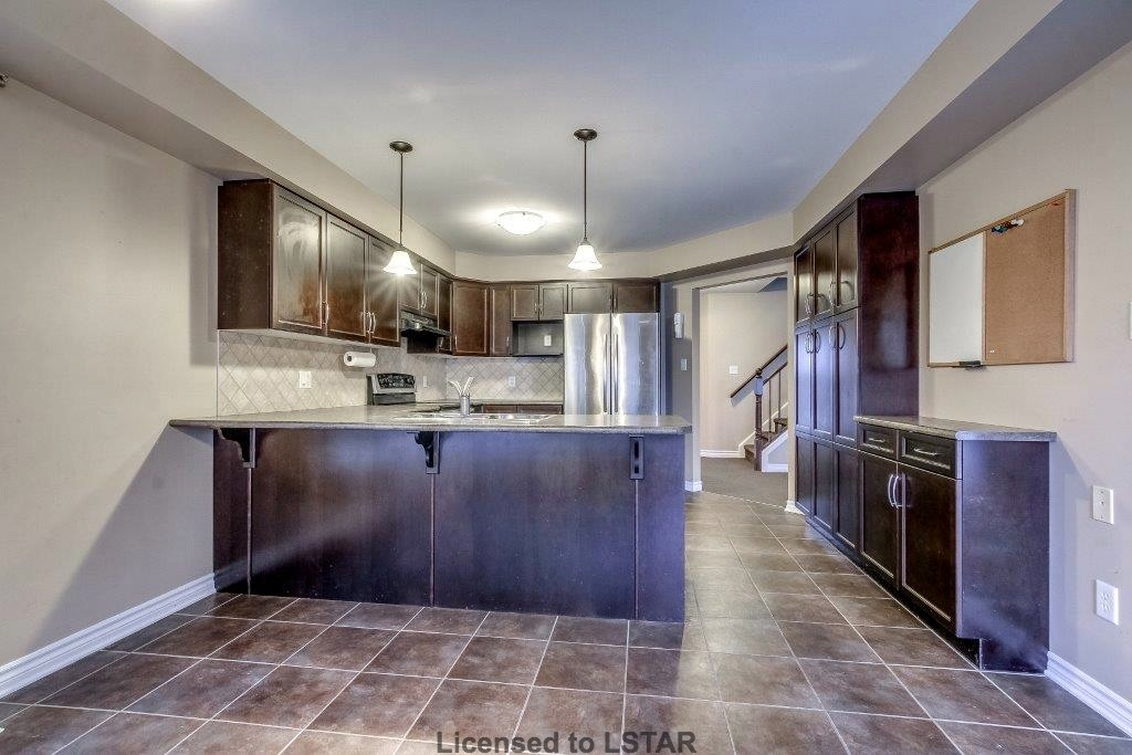 1211 North Wenige Dr, London Ontario