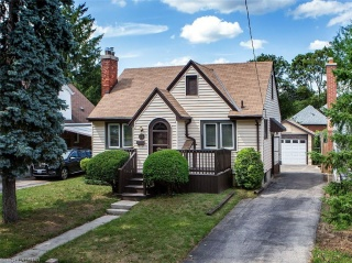 74 EASTMAN Avenue, London Ontario, Canada