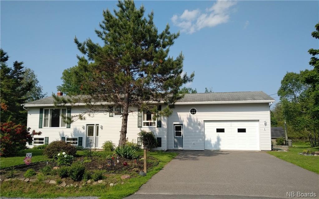 6 Grant Drive, Quispamsis New Brunswick, Canada