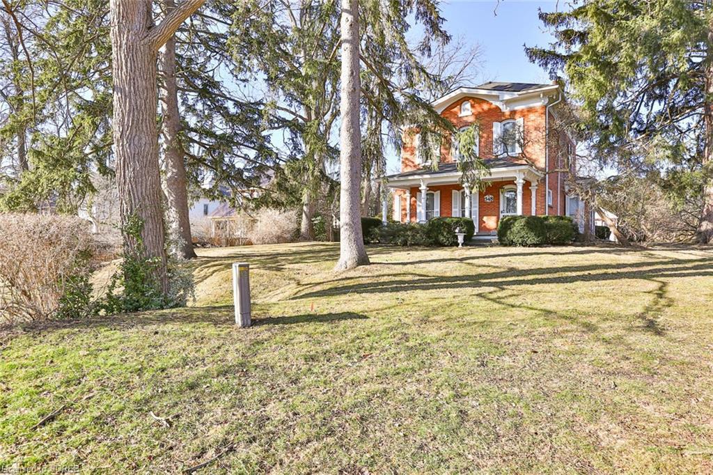 348 Norfolk Street S, Simcoe Ontario, Canada
