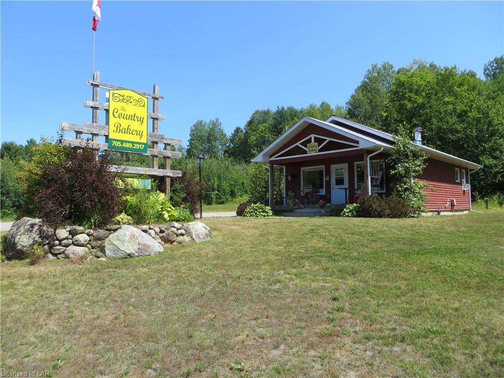 9996 Highway 118, Carnarvon Ontario, Canada