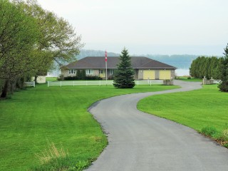 19351 Loyalist Parkway (highway 33) Pkwy South, Hillier Ontario, Canada