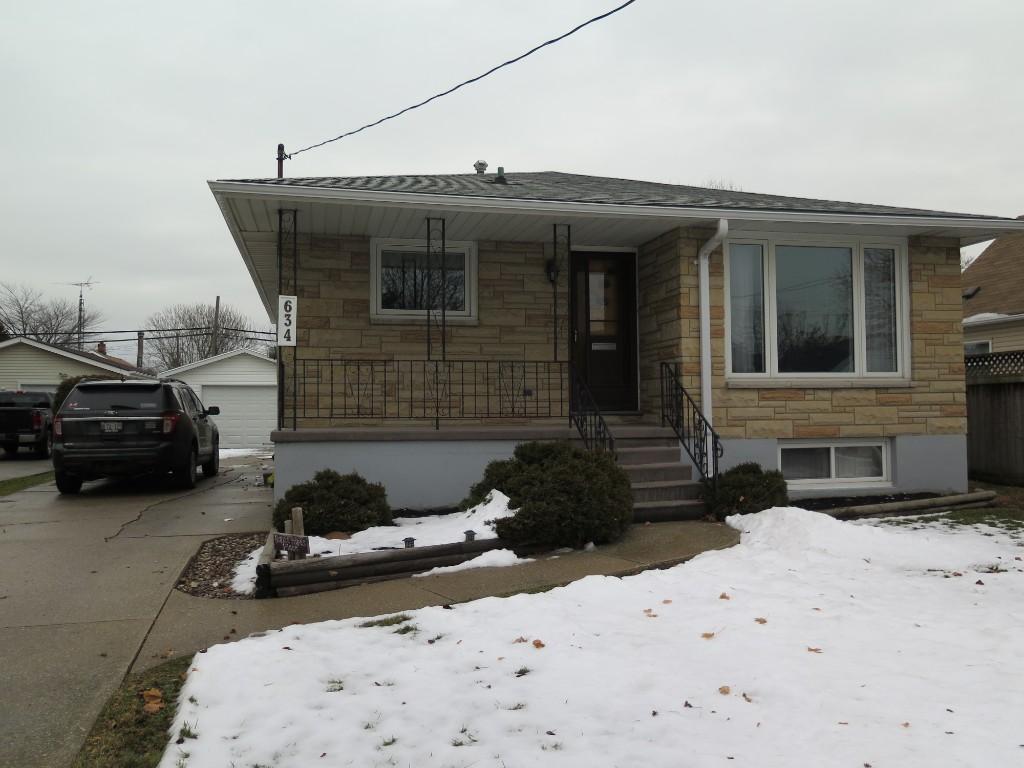 634 Rayburne Ave, Sarnia Ontario, Canada