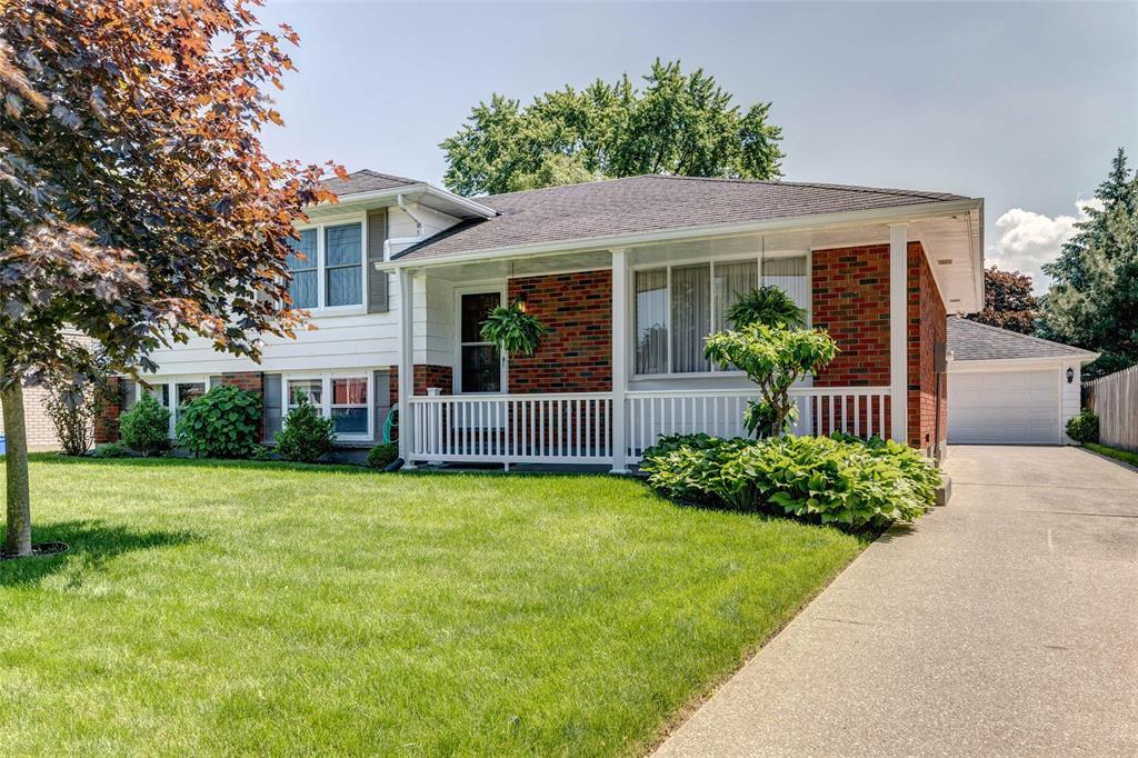 967 Devon Avenue, Sarnia Ontario, Canada