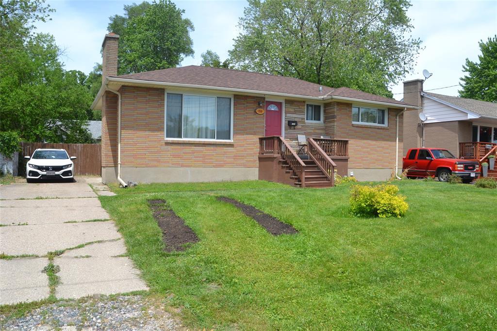 714 Guthrie Drive West, Sarnia Ontario, Canada