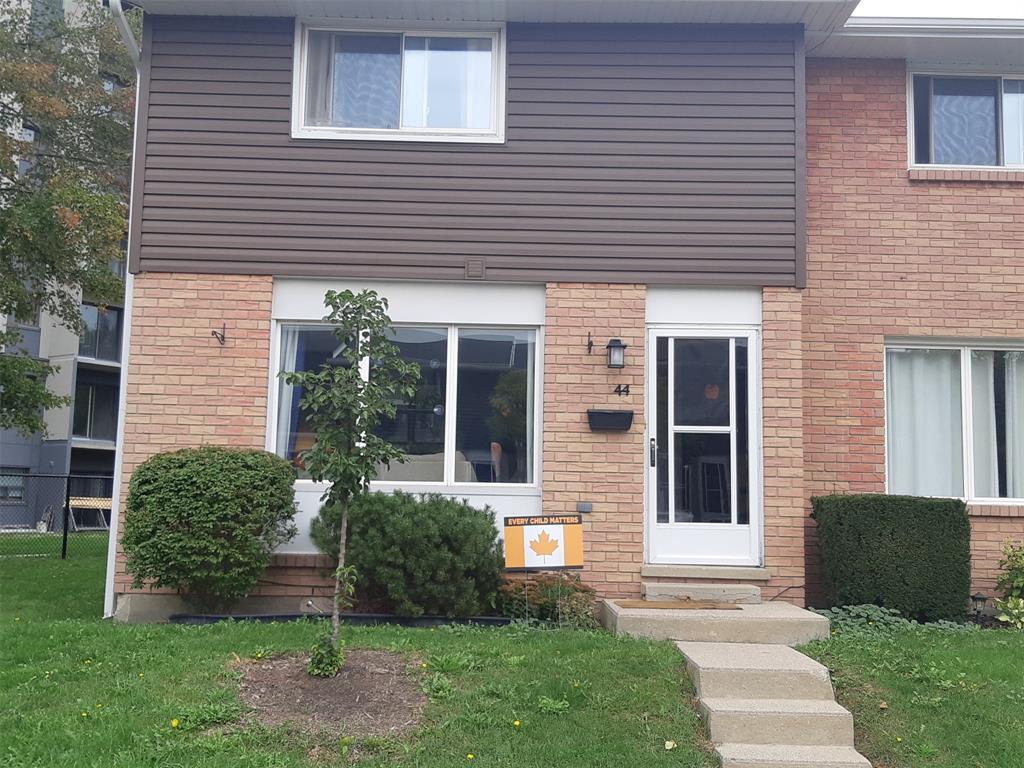 82 Finch Drive Unit# 44, Sarnia Ontario, Canada