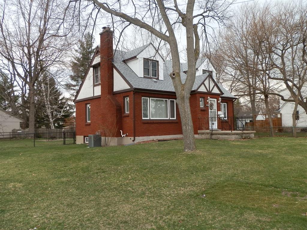 1415 EGMOND Drive, Sarnia, Ontario, Canada